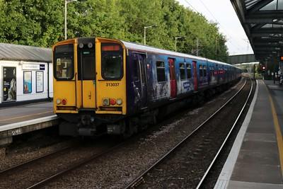 313037 arrive at Hertford North on 2J49 Watton-at-Stone-Moorgate   15/06/18