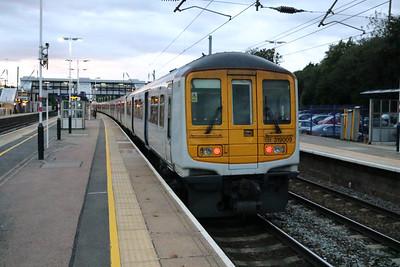 319009 2020/2o98 Sutton-Luton at Harpenden   14/08/17