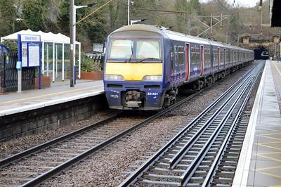 321406_321401 1301/1T24 Kings Cross-Cambridge passes Welwyn North  09/01/16