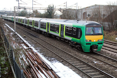 321413 Heads north past Kings Langley 15/01/13.