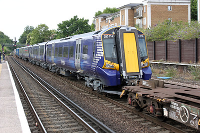 380114 Newly delivered on 7x80 through Kensington Olympia 04/07/11