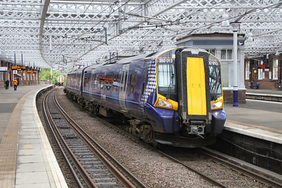 380013 at Paisley Gilmour Street.