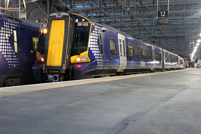 380005 at Glasgow Central.