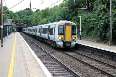 387103 approaches Welwyn North  14/08/17