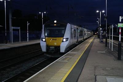 700020 2100/2v22 Sutton-Luton at Harpenden   12/08/17
