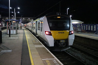 700036 2130/1w60 Brighton-Bedford at Harpenden   12/08/17