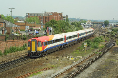 2418 is pictured at Eastleigh on 28/05/2004 with a service from London Waterloo.
