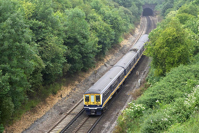 319447 exits Quarry Tunnel on 20/06/2005 whilst working 2T31 1025 Bedford-Brighton.