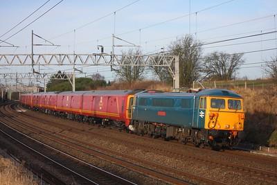 87002 leads 1Z96 Shieldmuir to Willesden PRDC at Heamies Farm on 31 December 2009  Class87, ACLocomotiveGroup, GBRf, WCMLNortonBridge