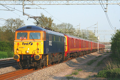 87022 at Cathiron with the 1S96 Willesden to Shieldmuir on the 11th May 2006