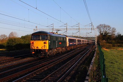 87002 on the 1M16 Inverness to London Euston sleeper at Cathiron on the 28th April 2015