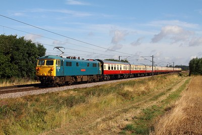 87002 on the 1Z86 0709 Newcastle to London Kings Cross at Cromwell near Newark on the 9th August 2014