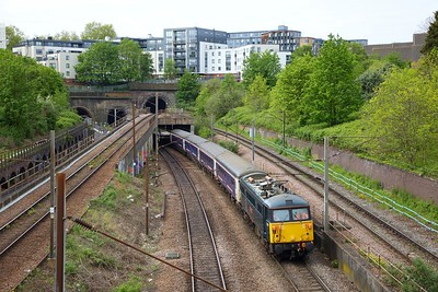 87002 tnt 92010 on the 5E39 London Kings Cross to Wembley out of Copenhagen tunnels on the 6th May 2019