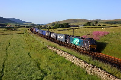 88005 working 4M48 Mossend to Daventry at Littlegill on 15 July 2021  Class88, DRS, WCMLScotland, ClydeValley