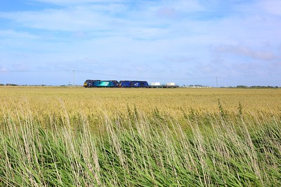 88009 leads 68007 on 6M95 Dungeness to Crewe flasks at Swamp Crossing on 7 July 2021  Class88, DRS, DungenessBranch