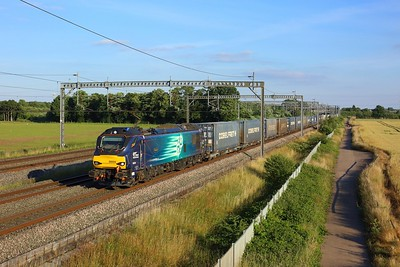 88004 powering 4S45 Daventry to Mossend at Comberford on 14 July 2021  Class88, DRS, TrentValley