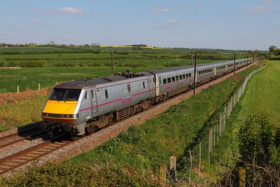 91106 on the 1S23 1530 London Kings Cross to Edinburgh at Hougham on the 3rd May 2014
