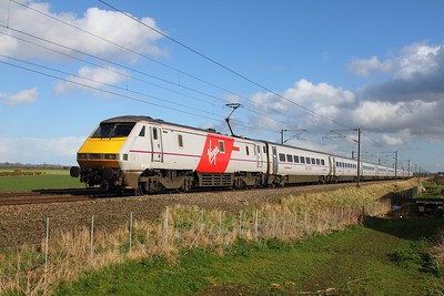 91102 on the 1S23 1530 London Kings Cross to Glasgow Central at Claypole on the 31st March 2015