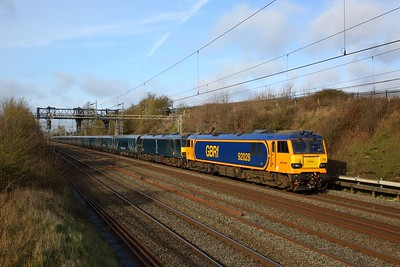92028+failed 92014 on the 1M11 Glasgow Central to London Euston at Bourne end running 293 minutes late on the 3rd February 2020