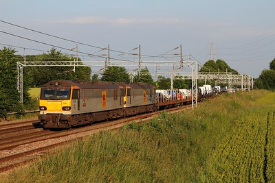 92030+92037 on the 6X77 Dagenham to Mossend cars at Brinklow on the 23rd June 2014