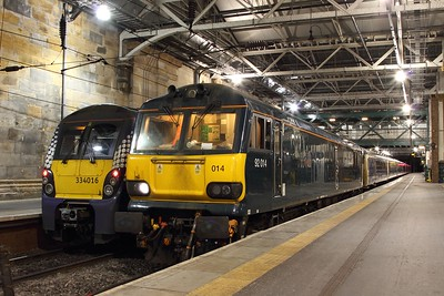 92014 on the 1C11 Edinburgh to Carstairs for 1M11 forward at Edinburgh Waverley on the 12th January 2017