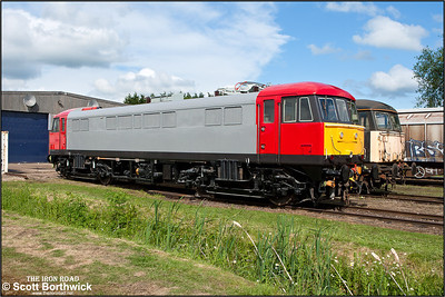 86260 shows off its unfinished Electric Traction Ltd livery (decals still to be affixed) as it stands outside the shed at Long Marston during an open day on 07/06/2009.