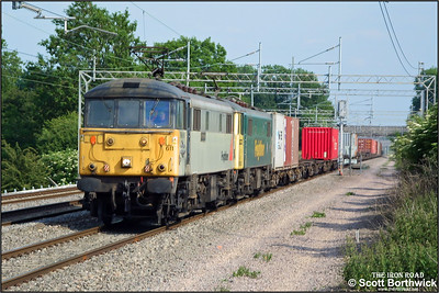 86611 'Airey Neave'+86631 power 4M87 1249 Ipswich Yard-Trafford Park passing Cathiron on 13/06/2003.