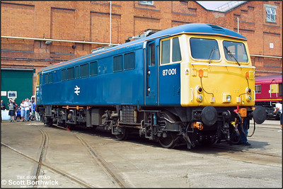 87001 is pictured at Crewe Works Open Weekend on 31/05/2003. The following day the loco was renamed 'Stephenson'.