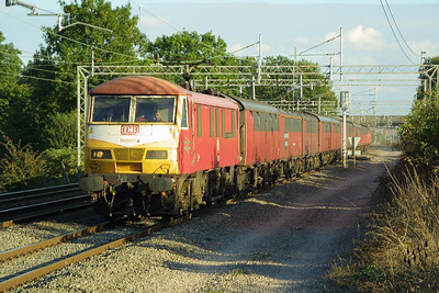 90029 speeds northwards at Cathiron on 24/09/2002 whilst in charge of 1S96 1600 Willesden PRDC-Shieldmuir RMT.