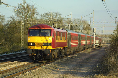 On hire 90018 passes Cathiron on 08/04/2003 whilst working 1H25 1725 London Euston-Manchester Piccadilly.
