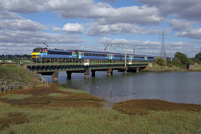 90012 crosses the River Stour at Manningtree on 07/10/2006 whilst propelling 1P32 1330 London Liverpool Street-Norwich.