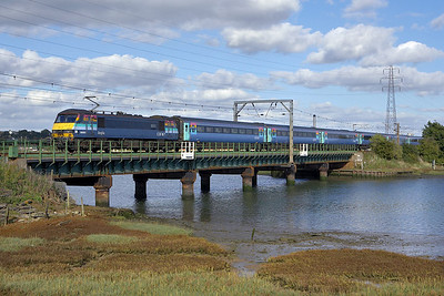 90003 crosses the River Stour Viaduct at Manningtree on 07/10/2006 whilst working 1P41 1400 Norwich-London Liverpool Street.
