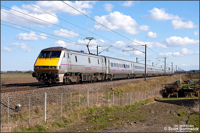 91127 passes Broad Fen Lane, Claypole whilst in charge of 1D18 1435 London King's Cross-Leeds on 03/04/2013.