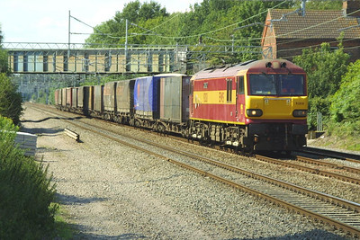 92031 passes Cathiron with an intermodal service on 13/07/2002.