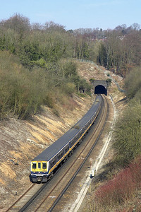 319442 trails 319378 whilst forming 2T28 1037 Brighton-Bedford on 23/03/2006 approaching Quarry Tunnel.