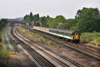 Two Class 421/3 4-CIG's lead a 423/2 4-VOP, 1862+1866+3903 are pictured shortly after passing Horley on 20/06/2005 whilst working 1F30 1717 London Victoria-Seaford. The train contained a portion for Eastbourne which would be detached at Lewes.