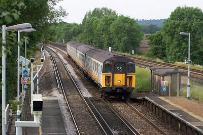 Class 423/2 4-VOP, 3901 enters Salfords station on 20/06/2005 whilst forming 2C91 1638 London Bridge-Horsham.
