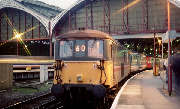 73104 at Brighton on 1V18 1645 Brighton - Plymouth. 20.01.91