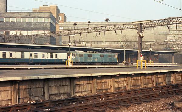 83015 at London Euston on ECS duties.