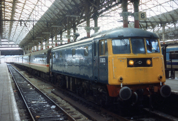 85018 at Manchester Piccadilly.