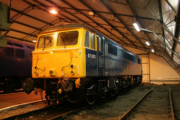 An evening shot of 87001 at its new home. 13.11.05