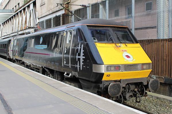 91110 t Edinburgh Waverley ready to push 1E27 1830 to London Kings Cross. 04.05.15