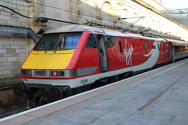 91109 at Edinburgh Waverley on arrival of 1S13 1045 London Kings Cross - Edinburgh Waverley. 25.02.18