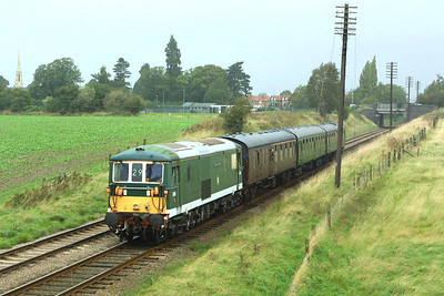 E6003 is pictured passing Woodthorpe on 18/09/2004 whilst in charge of 2C10 1105 Loughborough-Rothley during the GCR's Autumn Diesel Gala.