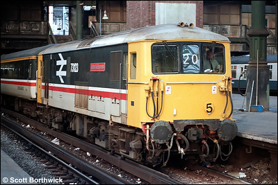 73123 'Gatwick Express' awaits departure from London Victoria with the 1500 London Victoria-Gatwick Airport on 14/10/1984.