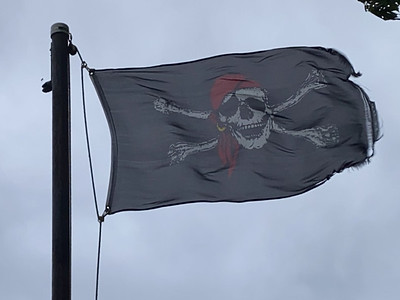July 6, 1699 — Pirate Flag
