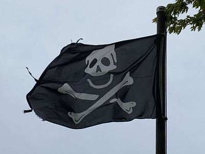 May 23, 1701 — Skull & Crossbones Flag