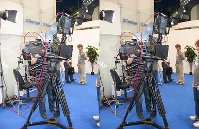 2010-05-12, 3D TV at SvyazInfoCom at Expocenter (3D LR)