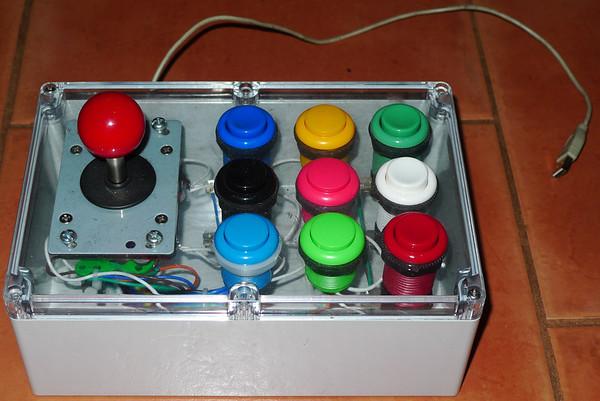 http://www.daddycrumbs.com/Electronics/Arduino-Projects/i-vNqTkfj/0/M/KidsKeyboard-M.jpg
