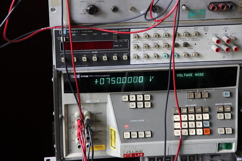 FLuke 5440B Voltage Calibrator